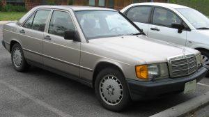 Mercedes 1987: belasting betalen moet. Foto: commons.wikimedia.org