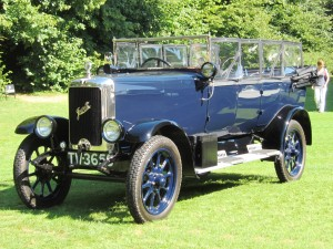 Jowett Long Four Tourer, zevenpersoons (1926). Foto: uk.wikipedia.org